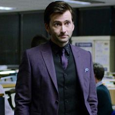2016 Poppy Awards winners have been announced and David Tennant wins Best Supporting Actor for his role as Kilgrave in Marvel& Jessica Jones. Jessica Jones, Tenth Doctor, Doctor Who, David Tennant Kilgrave, Comic Book Villains, Marvel Characters, Purple Suits, Purple Man, Michael Sheen