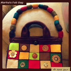 ButtonArtMuseum.com - This Weeks Project: Felted Button Bag for Marika