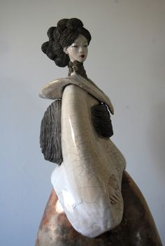 Sculpture Fille du Soleil Levant 2015 Pauline Wateau Sculptures Céramiques, Art Sculpture, Small Sculptures, Pottery Sculpture, Abstract Sculpture, Geisha, Japanese Pottery, Japanese Art, Ceramic Figures