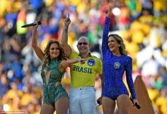 """Are you ready for some fútbol? Jennifer Lopez, Pitbull and Claudia Leitte unite for a performance of """"We Are One (Ole Ola)"""" at the opening ceremony of the 2014 FIFA World Cup on June 12 in Brazil Brazil World Cup, World Cup 2014, Fifa World Cup, Jennifer Lopez, World Cup Song, Hot Fan, Wilmer Valderrama, Old Singers, Good Spirits"""