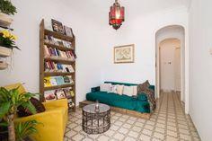 El dormitorio de las estrellas -en Barcelona Bookcase, Barcelona, Shelves, Interior Design, Room, Home Decor, Stars, Quartos, House Decorations