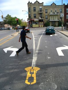 street art (Montreal) - by Peter Gibson