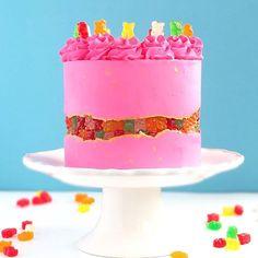 Gummy Bear Fault Line Cake #cake #gummybears #faultline #faultlinecake