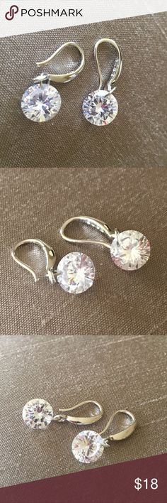 Delicate Swarovski Crystal Earrings Delicate Swarovski Crystal Earrings - earrings are silver plated Jewelry Earrings