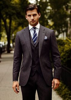 "everybodylovessuits: ""What a great looking three piece suit. Notice the jacket pockets (angled pockets) and stitching on the lapels. Looks awesome and works perfectly For more awesome suits check out. Mens Fashion Suits, Mens Suits, Men's Fashion, Grey Suits, Costume Sexy, Mode Costume, Black Suit Wedding, Wedding Suits, Three Piece Suit"