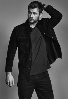 Mens Hairstyles With Beard, Haircuts For Men, Greek Men, Hemsworth Brothers, Chris Hemsworth Thor, Man Thing Marvel, Photography Poses For Men, Cute Celebrities, Celebs