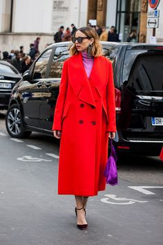 Candela Novembre is seen before the Paco Rabanne show at the Musee d'Art Moderne during Paris Fashion Week Womenswear Fall/Winter 2017/2018 on March 2017 #PFW #StreetStyle