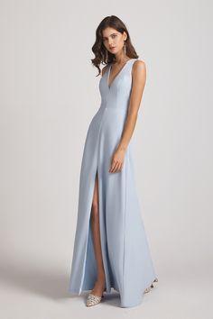 Inexpensive Bridesmaid Dresses, Light Blue Bridesmaid Dresses, Knee Length Bridesmaid Dresses, Blue Bridesmaids, Nice Dresses, Short Dresses, Spandex Dress, Floral Chiffon, Wedding Dresses