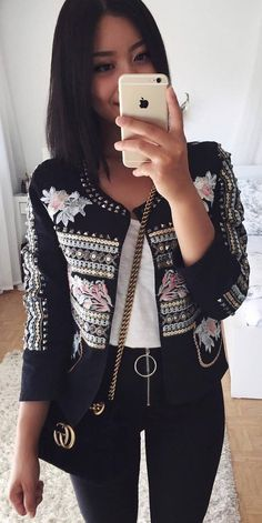 incredible fall outfit_embroidered blazer + top + bag + black skinnies