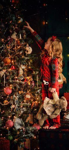 Classy Christmas, Christmas Tree, Holiday Decor, Painting, Home Decor, Art, Teal Christmas Tree, Art Background, Decoration Home