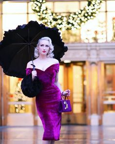 We love the way Chicago Chic Blog has styled up our Fatale Magenta Velvet Pencil…