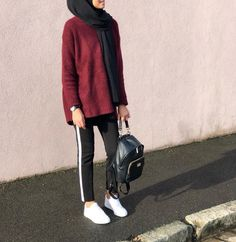 MORE PICTS You can also see more ideas about girly outfits with jeans , girly outfits teenage , girly outfits for boys , girly outfits korea. Modern Hijab Fashion, Hijab Fashion Inspiration, Muslim Fashion, Modest Fashion, Trendy Fashion, Fashion Outfits, Style Inspiration, Trendy Style, Sporty Style