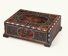 Coffret en placage d'écaille rouge, intarsia, ébène et ivoiremilieu du XVIIe siècle | Lot | Sotheby's