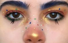 Retro glam looks of the past are back in a big way-and not just on runway supermodels. Eye Makeup Art, Clown Makeup, Cute Makeup, Pretty Makeup, Halloween Makeup, Beauty Makeup, Hair Makeup, Body Makeup, Makeup Goals