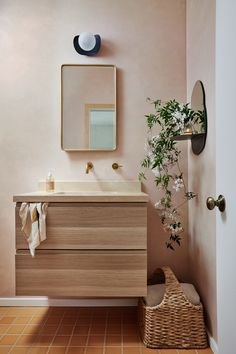Compact Bathroom, Bathroom Spa, Bathroom Floor Tiles, Feminine Apartment, White Wash Walls, Home Coffee Tables, Fireclay Tile, Studio Kitchen, Style Tile