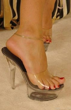 only transparent sandals sexy feet women Thigh High Heels, Hot High Heels, Sexy Sandals, Strappy Heels, Gents Shoes, Clear Strap Heels, Stockings Heels, Beautiful Toes, Sexy Toes