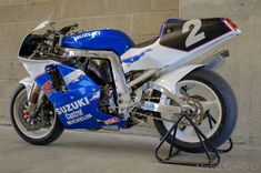 Suzuki Gsx R 750, Suzuki Bikes, Suzuki Motorcycle, Moto Bike, Gsxr 1100, Motorcycle Companies, Japanese Motorcycle, Cafe Racer, Slingshot