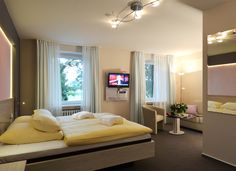 Alle Zimmer des AKZENT Hotel Haus Surendorff sind mit Dusche, Telefon, TV, Fön und Minibar ausgestattet