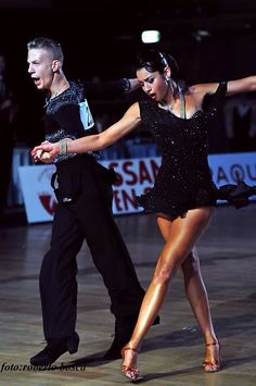 Her legs are a mile long, though I usually think super-short skirts are a bit boring on the floor compared to more eye-catching flaring skirts Ballroom Dance Dresses, Ballroom Dancing, Hip Hop Outfits, Dance Outfits, Dance Costumes Lyrical, Lyrical Dance, Baile Latino, Champion, Dance Routines