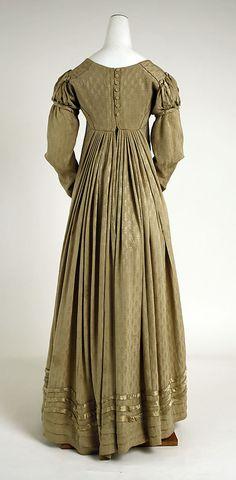 Visiting ensemble, American ca 1818, silk (Metropolitan Museum)