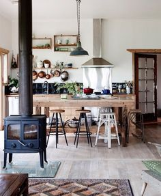 Stand alone stove in kitchen