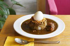 フォトジェニックな本格カレーが人気!デザイン会社が手がける京都のカフェ「ソングバードコーヒー」|ことりっぷ