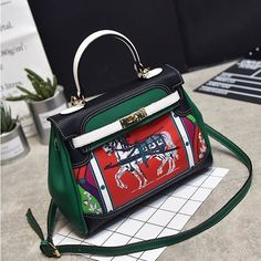 Saya menjual Tas Wanita Import VC85213 seharga $209000.00. Dapatkan produk ini hanya di Shopee! https://shopee.co.id/masphie/133748367 #ShopeeID