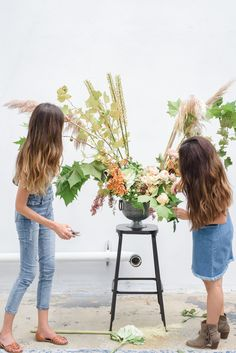 We're so excited to introduce you to Marigold Flower Co.'s Jaclyn Montesano & Catherine McNew. I met Jaclyn & Catherine at a wedding industry professionals event at a beautiful, modern venue called Forty-Two Ten in late 2016. They finish each other's sentences and were a ton of fun to interview. Enjoy their words! #bossbabeclub