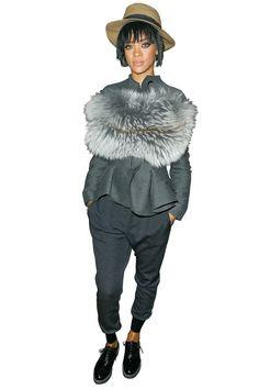 【ELLEgirl】【難易度★★★】リアーナ|C★BUZZ 難易度別!セレブのドレスアップテクを盗んで|エル・ガール・オンライン