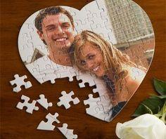 Los regalos personalizados son excelentes ideas para los detalles del 14 de febrero. Encuentra más ideas en http://www.1001consejos.com/detalles-para-el-14-de-febrero/