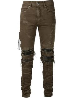 Add an edge to your look with the men's skinny jeans edit at Farfetch. Find designer skinny jeans for men from hundreds of luxury denim brands. Mens Distressed Skinny Jeans, Mens Destroyed Jeans, Ripped Jeans Men, Green Skinny Jeans, Jeans Pants, Shorts, Mens Designer Skinny Jeans, Mens Clothing Styles, Men's Clothing