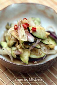 【水茄子と茗荷の浅漬け】 by 越石直子 「写真がきれい」×「つくりやすい」×「美味しい」お料理と出会えるレシピサイト「Nadia | ナディア」プロの料理を無料で検索。実用的な節約簡単レシピからおもてなしレシピまで。有名レシピブロガーの料理動画も満載!お気に入りのレシピが保存できるSNS。