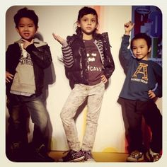 The little models are ready for their fashion catwalk! Look at the poses!