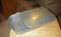 "VINTAGE WEAR-EVER No. 2612 ALUMINUM (13"" X 9"" X 2 1/4""). CAKE PAN WITH LID COVER AND HANDLES ON EACH END OF THE PAN. THE LID FITS GREAT. eBay 13  ES 2.00"