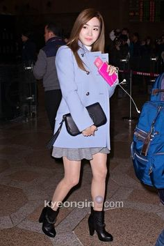 My SNSD: [PHOTOS] 150114 Taeyeon and Tiffany at Gimpo Airport going to Beijing