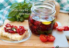 Pomodorini sotto olio essiccati al sole conserva facile Chutney, Buffet, Vegetables, Recipes, Food, Home, Canning, Recipies, Essen