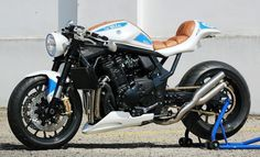 Visit a variety of my most favorite builds - custom scrambler concepts like this Suzuki Cafe Racer, Cafe Racer Seat, Cafe Racer Build, Cafe Racer Motorcycle, Motorcycle Design, Bike Design, Modern Cafe Racer, Cafe Racer Style, Custom Cafe Racer