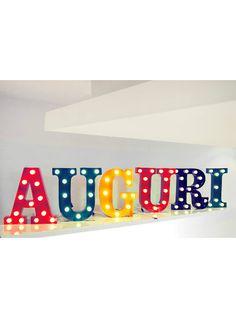Circus Letter è una lettera luminosa che acquisata singloarmente può…