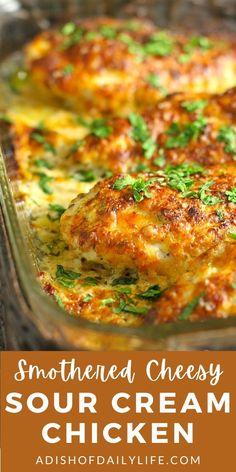 Cheesy Chicken Recipes, Cheesy Baked Chicken, Easy Chicken Dinner Recipes, Chicken Meals, Keto Chicken, Cream Of Chicken, Cooking Recipes, Yummy Recipes, Keto Recipes