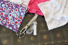Making baby clothes Elimination Communication (EC) friendly: how to turn a onesie into a tshirt without sewing.