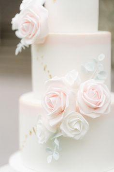 A Royal English Wedding at Clearwell Castle Creative Wedding Cakes, Elegant Wedding Cakes, Magical Wedding, Dream Wedding, Lace Weddings, Unique Weddings, Castle Wedding Inspiration, Wedding Ideas, Luxury Wedding Cake Design