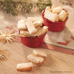 Butterstangerln Weihnachtskekse mit Schneehaube Feta, Muffins, Dairy, Sweets, Cheese, Cookies, Baking, Desserts, Christmas