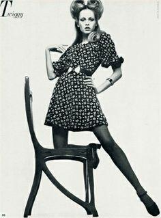 Photo by Justine De Villeneuve Twiggy Vogue Italia, May 1969