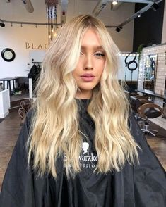 Buttery Blonde // ig: Hair 9 Best Fall Hair Trends That Will Inspire Your Next Look Blonde Hair Looks, Brown Blonde Hair, Blonde Wig, Blonde Balayage, Beachy Blonde Hair, Black Hair, Dying Hair Blonde, Summer Blonde Hair, Bright Blonde Hair