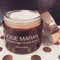 Shop Josie Maran's Whipped Argan Oil Face Butter at Sephora. This lightweight yet luxuriously rich face cream offers instant and abundant hydration. Josie Maran, Organic Beauty, Organic Skin Care, Natural Beauty, Organic Makeup, Christina Hendricks, Argan Oil Face, Acne Scar Removal, Skin So Soft