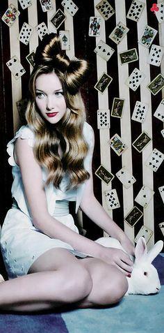 Alice in Wonderland / karen cox.