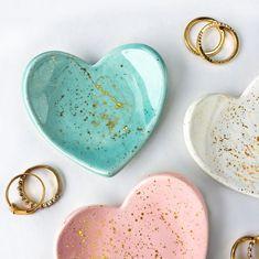 Mini Heart Gold Splatter Ring Dish – Jewelry Dish, Jewelry Holder, Bridesmaid Gifts, Wedding Favors, Modern Pottery - My Accessories World Diy Jewelry Holder, Diy Crafts Jewelry, Necklace Holder, Handmade Jewelry, Diy Clay, Clay Crafts, Jewelry Dish, Jewelry Box, Jewelry Armoire