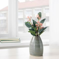IKEA - LIVSVERK, Vase, green, The vase's unique color pattern is created by its several layers of glaze reacting with each other during firing. Use the vase with flowers or alone, as a beautiful object in its own right. Ikea Vases, Vases Decor, At Home Furniture Store, Modern Home Furniture, Scandinavian Vases, Vase Vert, Recycling, Ikea Family, Ceramic Techniques