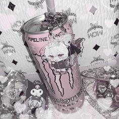 Aesthetic Japan, White Aesthetic, Aesthetic Grunge, Grunge Soft, Baby Pink Aesthetic, Kawaii Goth, Grunge Photography, Gothic Anime, Arte Horror