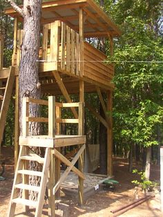Zip line stand on Pinterest   Platform, Tree Houses and ...